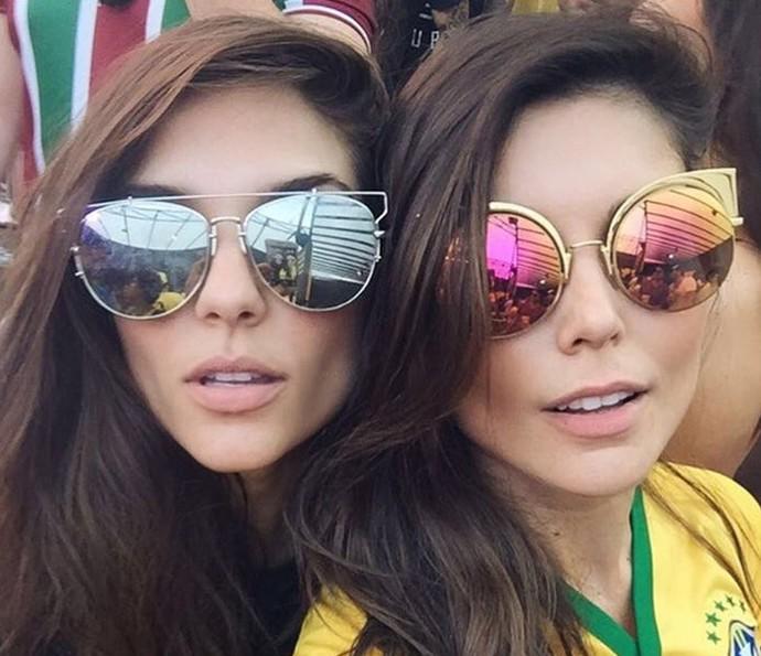 Carla Morone (à esquerda) e Flávia Viana são superparecidas, quase gêmeas! (Foto: Arquivo pessoal)