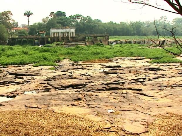 Cachoeira de Emas em Pirassununga (Foto: Eder Ribeiro/ EPTV)