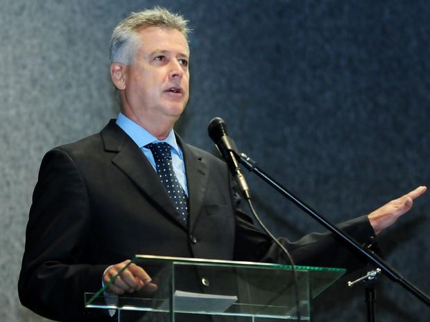 Governador Rodrigo Rollemberg durante posse do novo diretor da Polícia Civil, Eric Seba (Foto: Pedro Ventura/GDF/Divulgação)