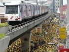 Milhares de malaios protestam para pedir renúncia do premiê