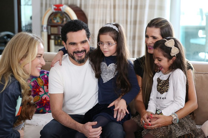 Angélica conhece casa de Luciano Camargo e família (Foto: Carol Caminha/Gshow)