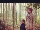 Jessica Alba passeia com filha em bosque japonês e posta foto