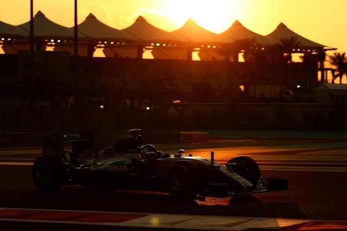 Nico Rosberg brilhou e conquistou a pole position para o GP de Abu Dhabi (Foto: Getty Images)