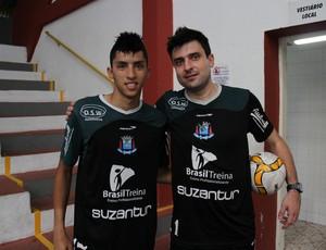 P.C Diniz e Luizinho do Suzano Futsal (Foto: Thiago Fidelix / Globoesporte.com)