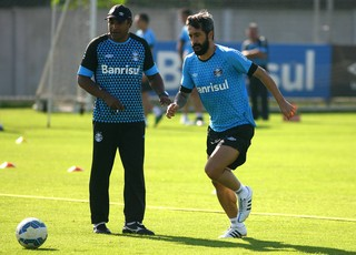 Roger Machado Douglas Grêmio (Foto: Lucas Uebel/Grêmio)