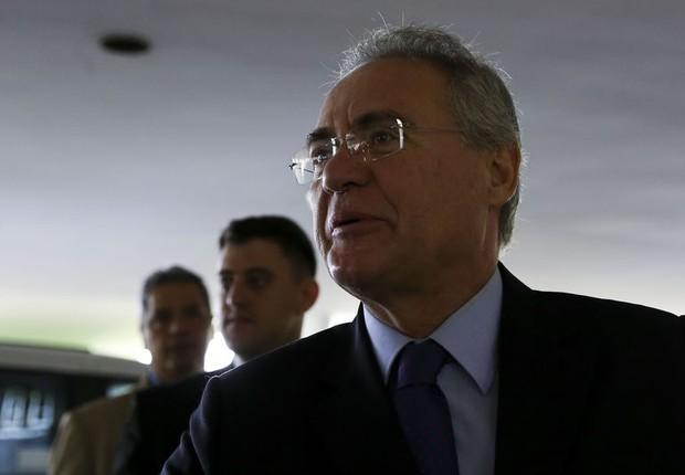 O presidente do Senado, Renan Calheiros (PMDB-AL), preside a primeira sessão após a decisão do STF (Foto: Marcelo Camargo/Agência Brasil)