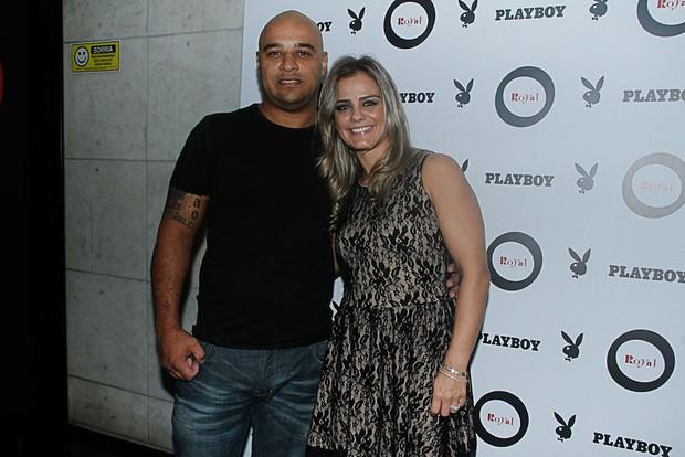 Milene Domingues e o namorado, Rubens Lopes, em boate em São Paulo (Foto: Amauri Nehn/ Ag. News)