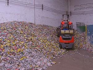 Reciclagem de latas de alumínio (Foto: Reprodução / TV Globo)