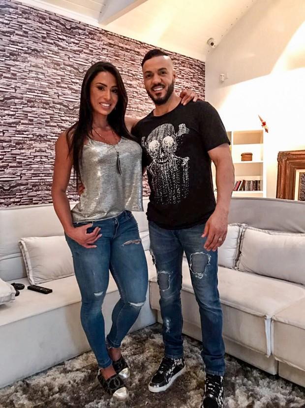 Gracyanne Barbosa e Belo (Foto: Samuel Melim/Divulgação)