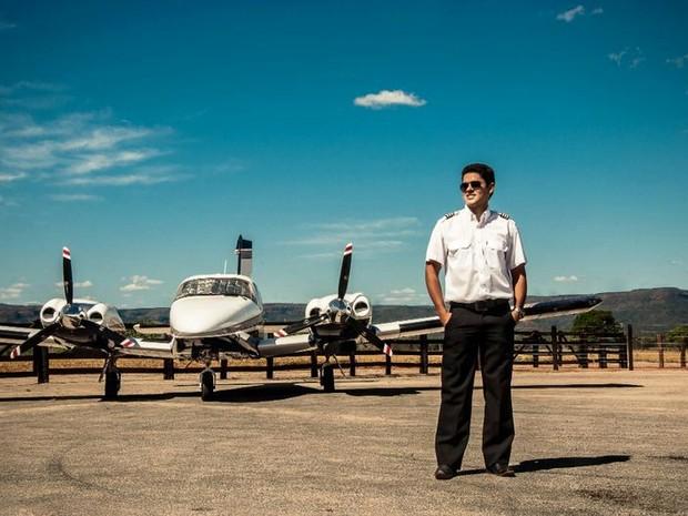 Cleyton Maia Barros Filho era o piloto do avião que caiu na capital do Tocantins (Foto: Glauber Matos/Divulgação)