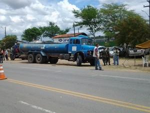 Objetivo é identificar problemas no veículos e no transporte da água. (Foto: Divulgação / Apevisa)
