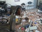 Cabeleireira espera liberação para obras em prédio atingido por ônibus