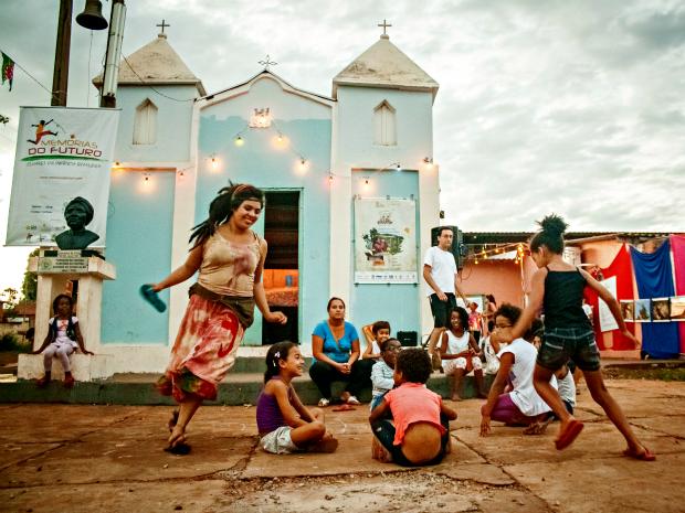 Caravana tecnobrincante faz espetáculo em Campo Grande (Foto: Everson Tavares/Divulgação)