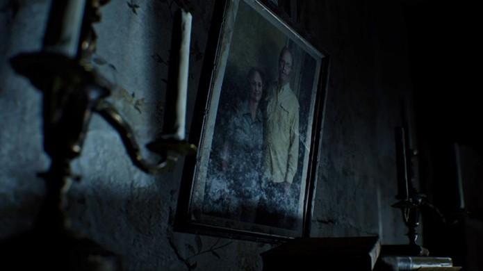 Fique atento aos quadros e decoração da demo de Resident Evil 7 para notar mudanças (Foto: Reprodução/VG247)