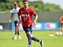 Recuperado, Jadson volta aos treinos e fica à disposição no Atlético-PR