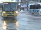 Vazamento de água provoca transtornos em avenida em São Luís