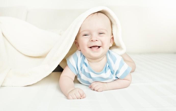 Johnsons A risada ajuda os bebês a compreenderem o próprio corpo e o mundo (Foto: Divulgação)