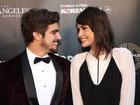 Caio Castro e Maria Casadevall circulam por LA em clima de romance