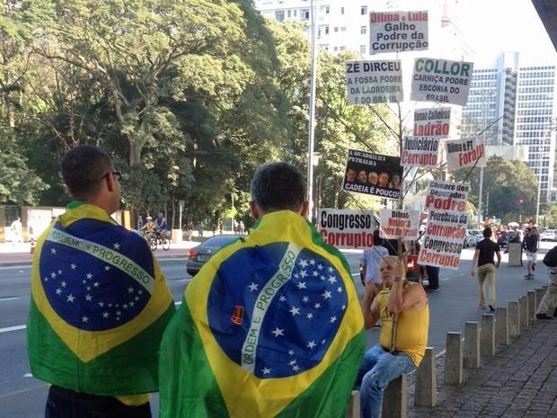 SÃO PAULO: Manifestantes começam a se reunir no Masp, na Avenida Paulista