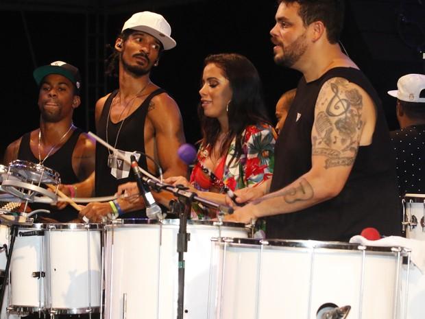 Anitta em show em Salvador, na Bahia (Foto: Fred Pontes/ Brazil News)
