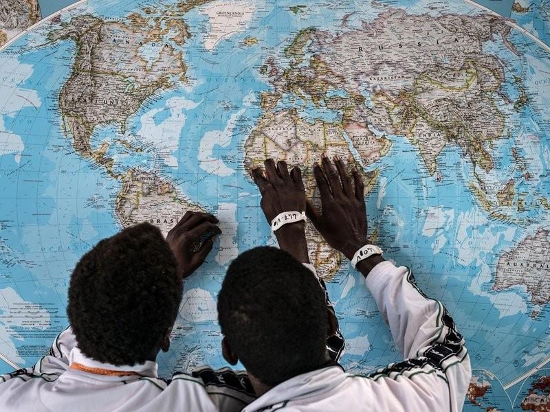 Dezenas de milhares de crianças viajam desacompanhadas para a Europa em busca de um futuro (Foto: Divulgação/Unicef)