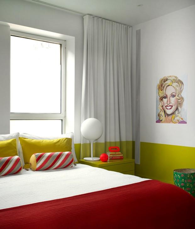 Décor do dia: quarto vermelho, amarelo e divertido (Foto: reprodução)