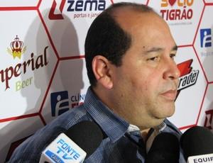 Marcos Martinez, presidente do Vila Nova (Foto: Fernando Vasconcelos / Globoesporte.com)