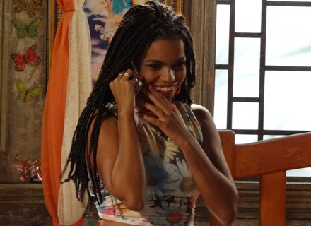 Arrasou! Sol é convidada para abrir show de Fernanda Abreu