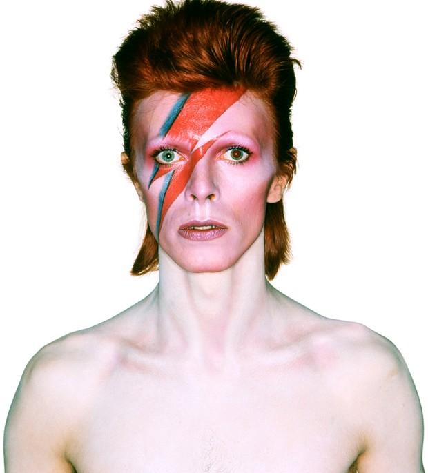 David Bowie, um mestre na música e no estilo (Foto: Reprodução/vam.ac.uk)