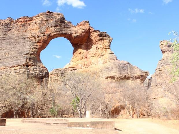Pedra Furada, no Parque Serra da Capivara (Foto: Pedro Santiago/G1)