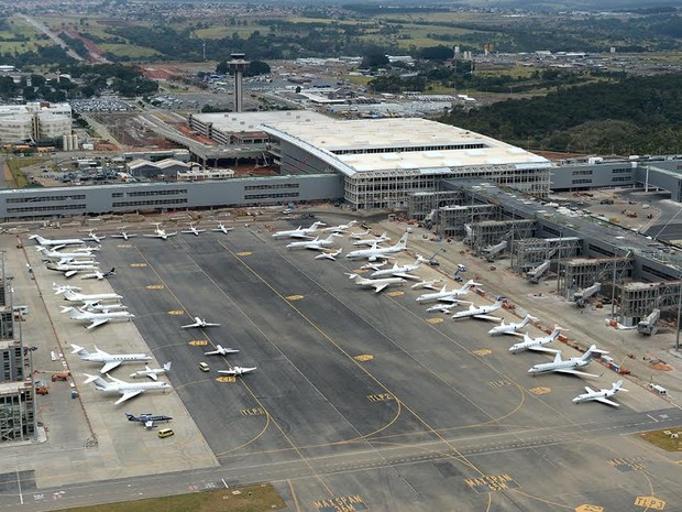 Aviões estacionados no aeroporto de Viracopos (Foto: Aeroportos Brasil Viracopos)