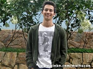 Gabriel está solteiro e não se preocupa com o assédio (Foto: Malhação / TV Globo)