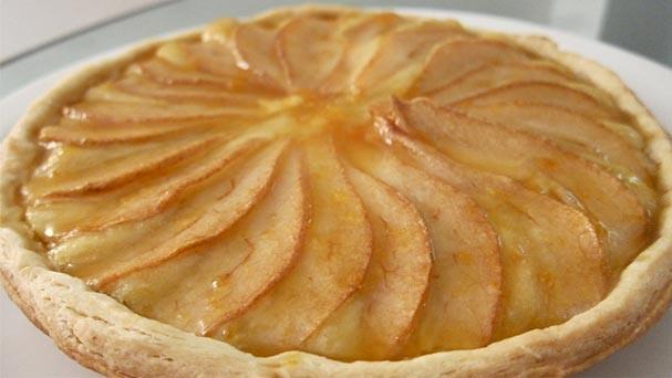 Aprenda a fazer torta de peras e mel da Carolina Ferraz