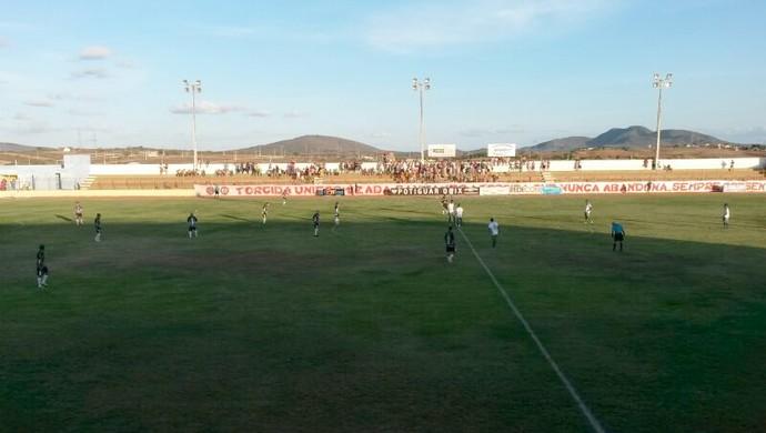 Santa Cruz-RN x Corintians-RN, no Estádio Iberezão (Foto: Victor Lyra)
