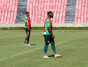 Robinho, Bruno Costa, Uberlândia Esporte Clube, zagueiro, UEC (Foto: Lucas Papel)