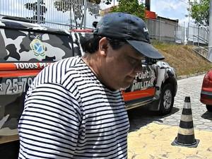 Adail Pinheiro é transferido para presídio (Foto: Isis Capistrano/G1 AM)