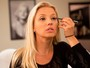 Patrícia de Sabrit mostra passo a passo de como se maquiar para sair à noite