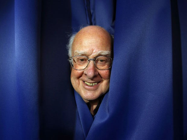 O f&#237;sico Peter Higgs (Foto: David Moir/Reuters)