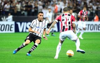 Renato Augusto, Corinthians X São Paulo (Foto: Marcos Ribolli)