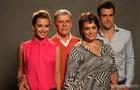 José Mayer posa ao lado de Suzy Rêgo, Juliana Boller e Joaquim Lopes. Os atores compõem o núcleo da família Bolgari. (Foto: Pedro Curi/TV Globo)