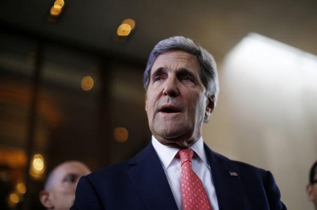 O secretário de Estado dos EUA, John Kerry, dá entrevista nesta sexta-feira (8) em Genebra, na Suíça (Foto: AFP)