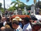 Cortejo de Naná Vasconcelos deixa a Assembleia rumo a Santo Amaro