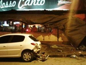 Caminhão só parou após bater em outros dois veículos em Santos, SP (Foto: Arquivo Pessoal)