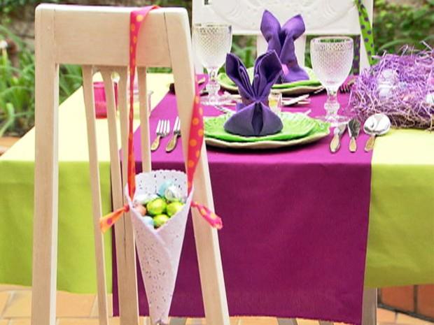 Cone com ovos de chocolate! Decore sua mesa para receber visitas na Páscoa (Foto: Mais Você / TV Globo)