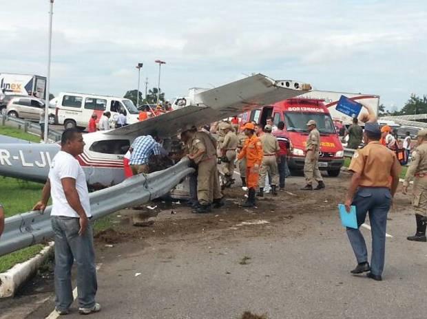 Piloto ficou gravemente ferido após acidente (Foto: Bruno Almeida / Defesa Civil)