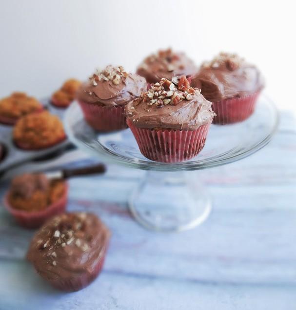 Cupcake vegano de cenoura com cobertura de chocolate (Foto: Divulgação)
