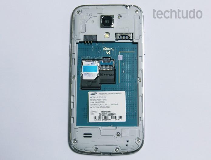 Galaxy S4 mini possui bateria levemente inferior à do Moto G (Foto: Barbara Mannara/TechTudo)