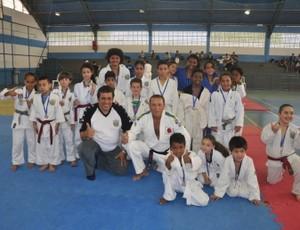 Campeões, equipe de Poá festeja a conquista (Foto: Arquivo Pessoal)