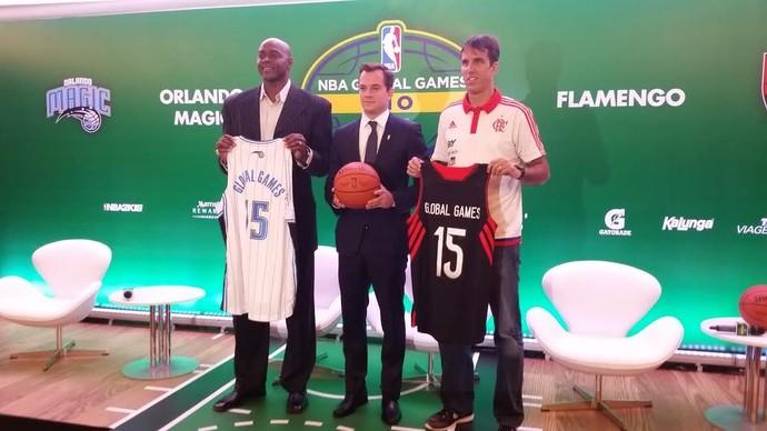 Horace Grant, Arnon de Melo e Marcelinho prestigiaram a coletiva de apresentação de Flamengo e Orlando (Foto: Marcello Pires)