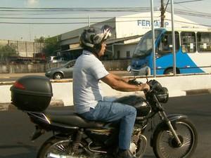 Motociclistas no trânsito no Centro de Campinas (Foto: Reprodução EPTV)